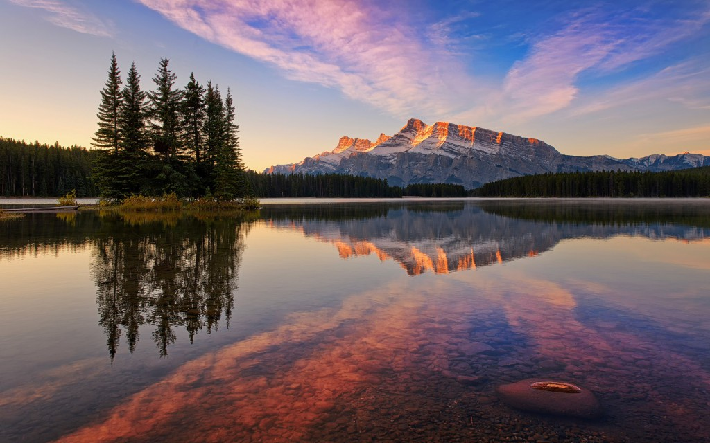 The dazzling mountain and lake sunsets of the Canadian Rockies
